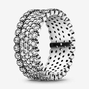 🍓Pandora Sparkling Pavé Band Ring